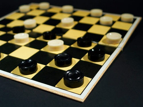 Об игре в шашки